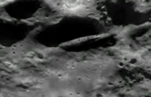 SECRET APOLLO 20 MISSION: NASA Photo Is Proof Of Apollo 20 Mission, Aliens And Large Mothership 1.5 Billion Years Ago!