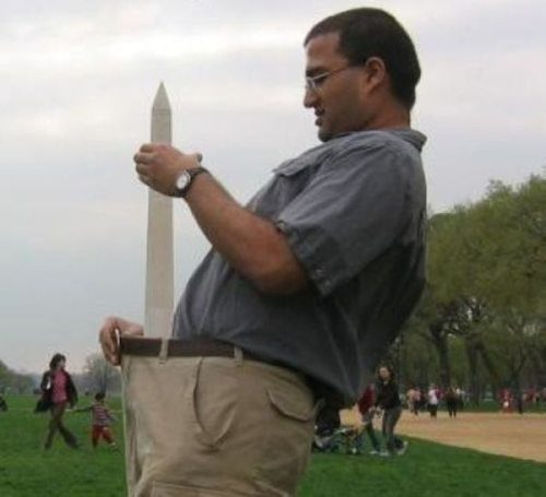 washington-monument-tourist-phallic-1